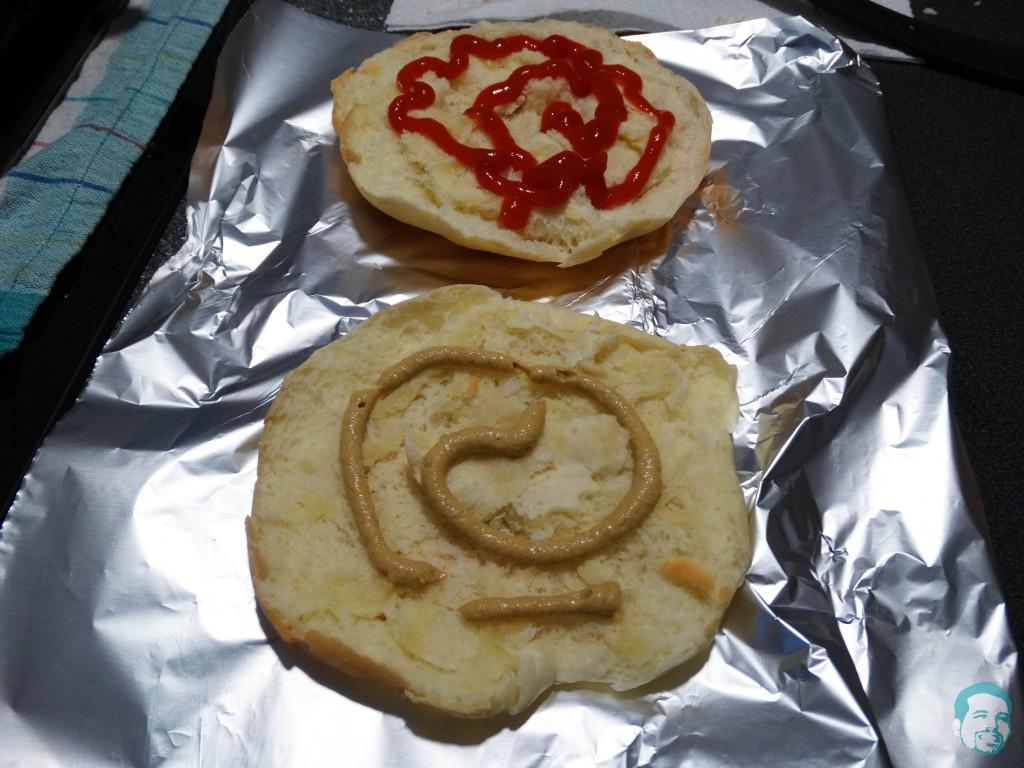 Buns_ketchup