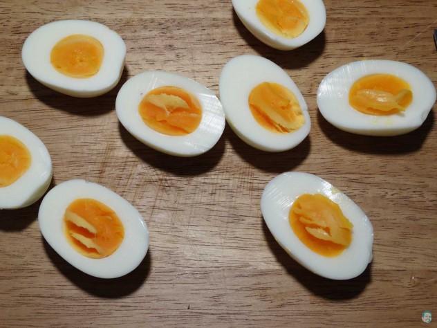 Eier halbiert