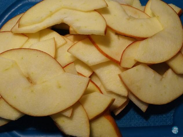 Äpfel fein schneiden