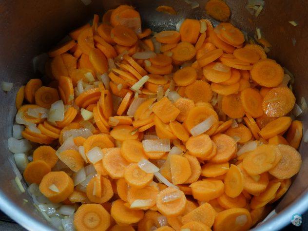 Kuerbis Kokossuppe Karotten anroesten