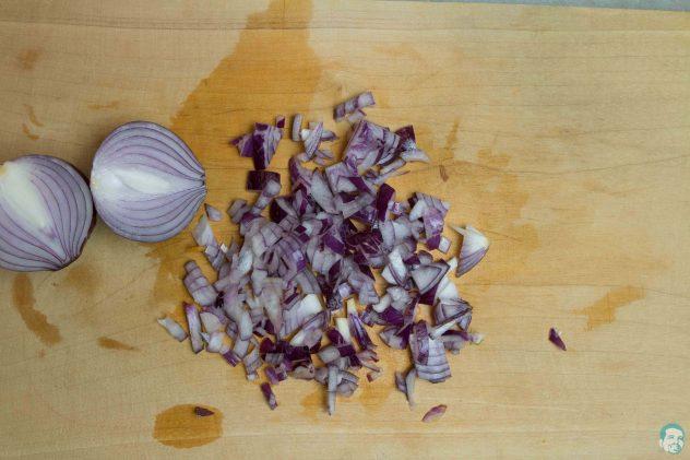 Zwiebeln-geschnitten-Linsensalat mit Granatapfel