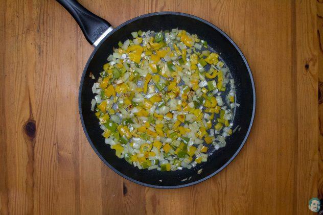 Pikante afrikanische Schupfnudeln Gemüse gebraten