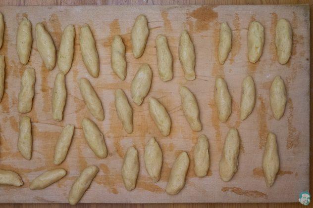 Pikante afrikanische Schupfnudeln Nudeln gerollt